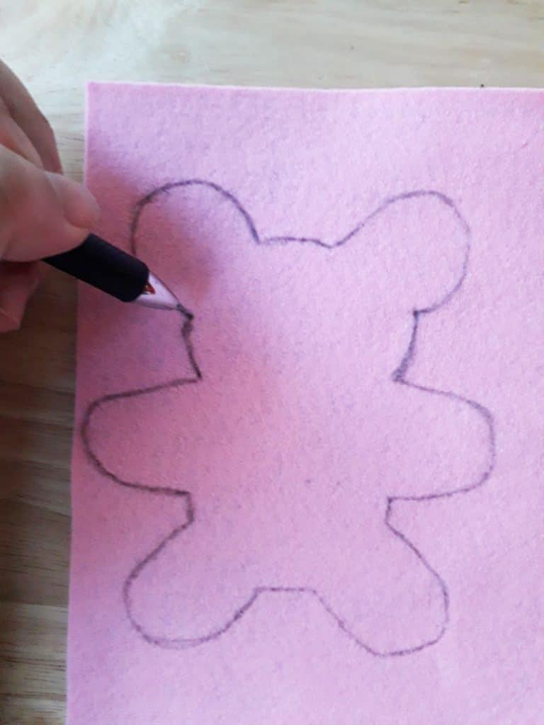 Drawing pattern, tiny cat stuffed toy